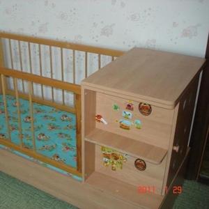 Продам детскую кроватку,  полностью деревянная