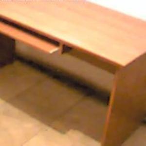 Продам стол цвет светлая вишня